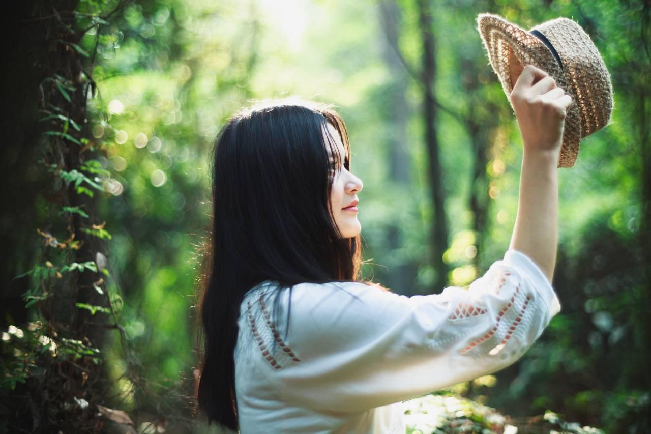 外国人问中国女孩喜欢欧洲男人吗?中国网民:你哪来的自信?