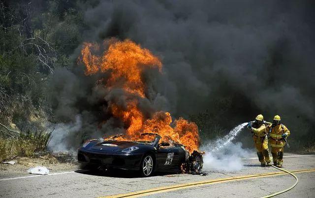 电动汽车起火了?请多浇水!