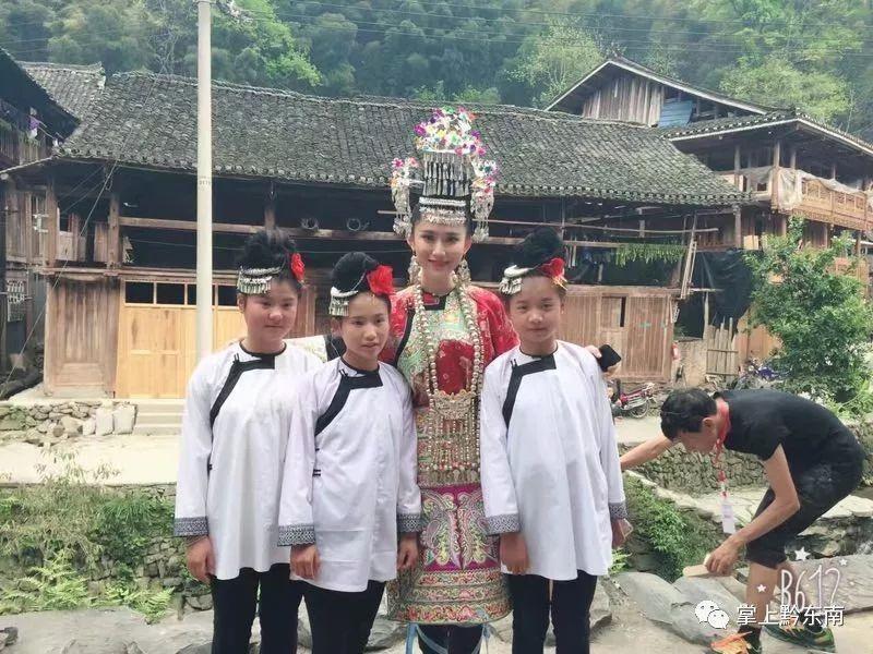 25岁陈凯琳想生孩子,不怕48岁郑嘉颖年纪大,赞男友很有活力