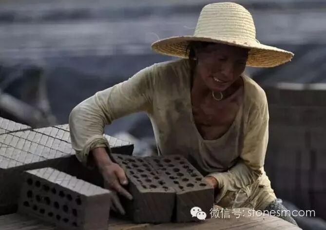 姑娘深夜从浙江走到了江苏,直接走进公安检查站!