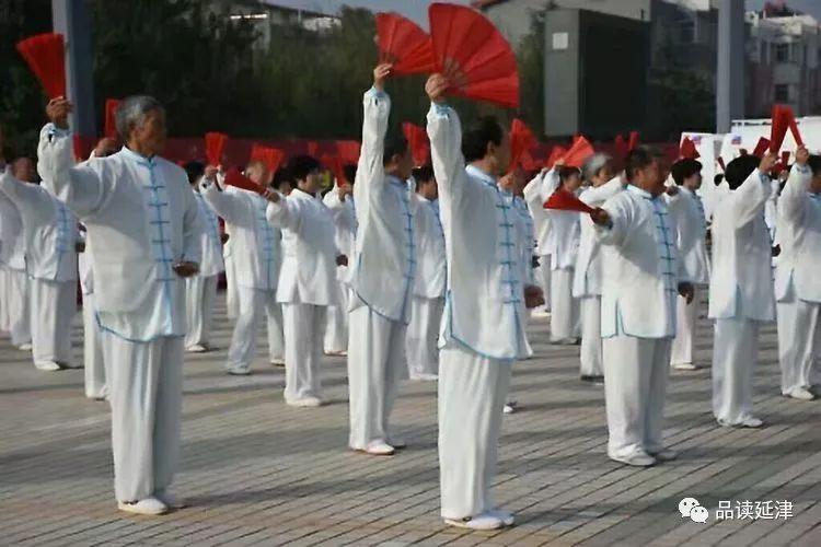 第十七届中国网络媒体论坛发布《呼和浩特共识》