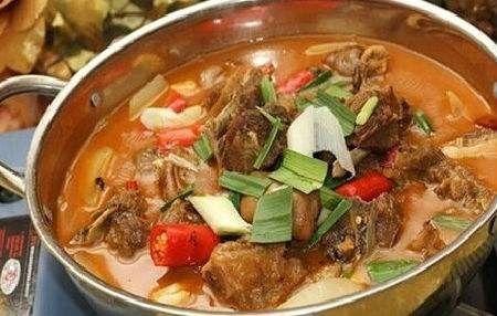 还应该预备吃一顿羊肉火锅!