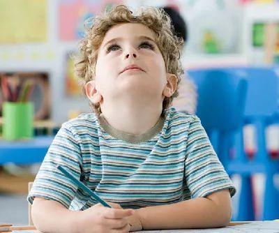 尊敬老师不能凝在口头,从自然职评开启,并增抬教龄津贴沉淀教师