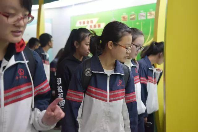 TVB里曾红极一时的六位女星,如今的容颜成了这样!