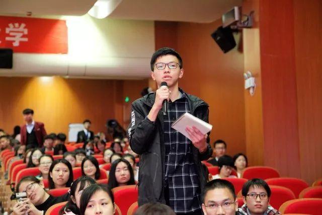 温哥华飞往北京的国际航班紧急迫降美国,真相令国人震惊!