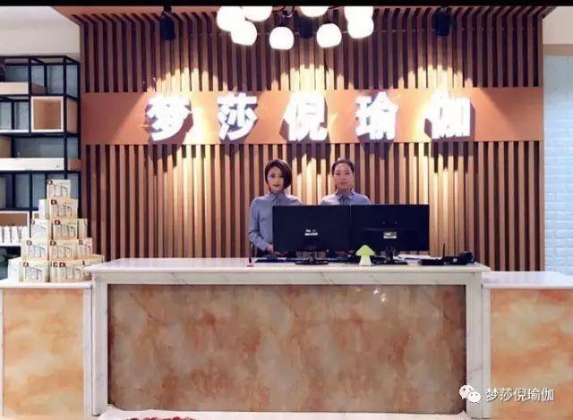 赵本山和小沈阳说情人节,太有才了!看完发群里!