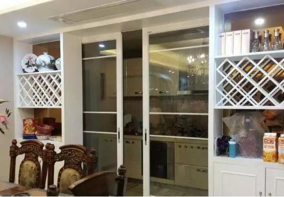 设计|解锁几款玻璃厨房推拉门设计,采光好,隔油烟!kafk教程图片