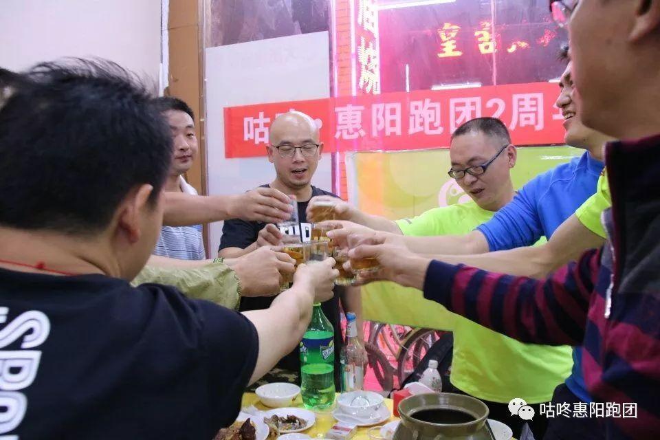 电影《环太平洋2》曝中国风预告海报 浓墨重彩!