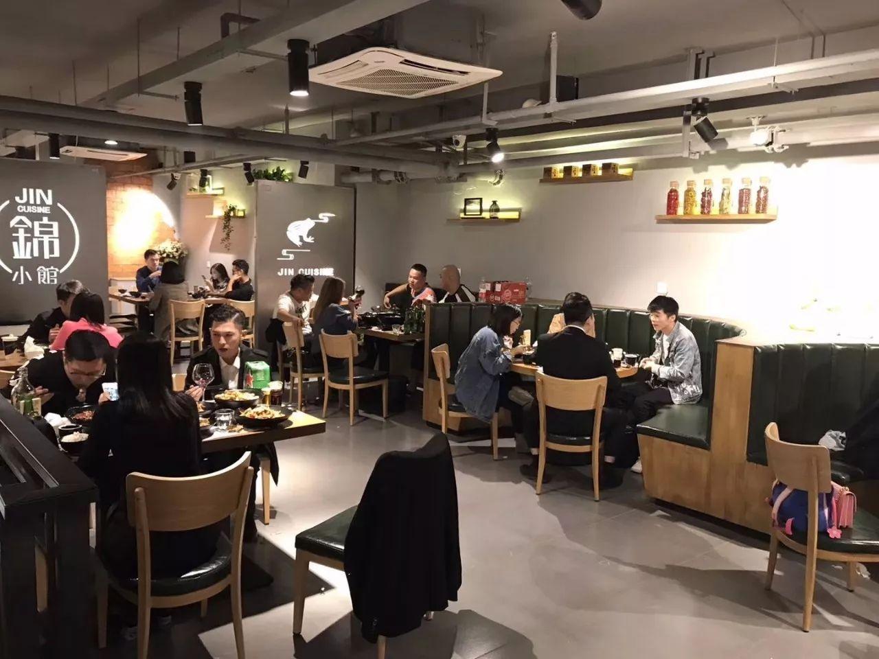 上海调整外国人就业证、外国专家证延期等业务办理方式