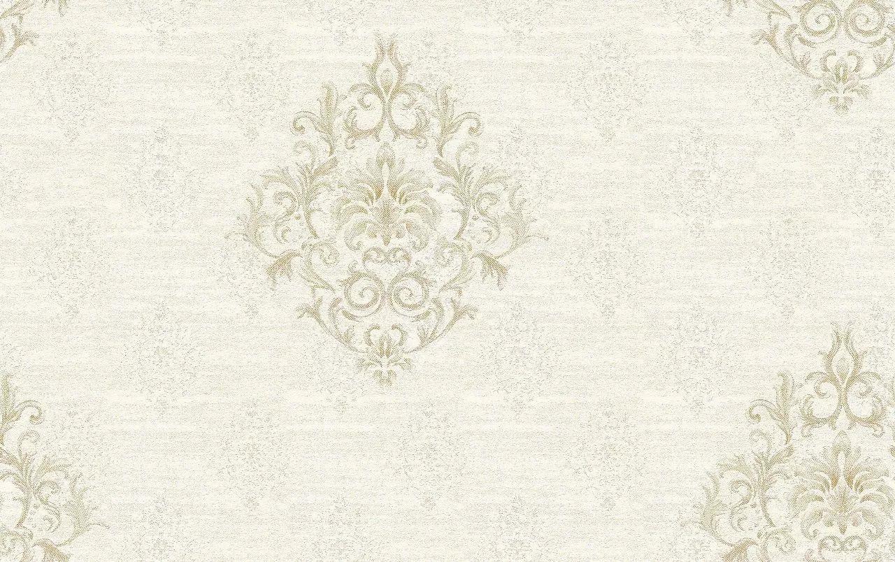 浅绿色的墙布花纹密布,大朵大朵的大马士革花开得正艳,富丽堂皇,又
