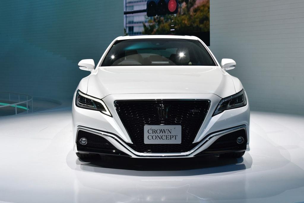 2018款的皇冠concept,全新车型颠覆了皇冠往日稳重大气的设计理念