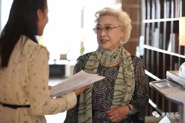 《手机》女主武月原型疑似支持崔永元,用四个字实力讽刺冯小刚