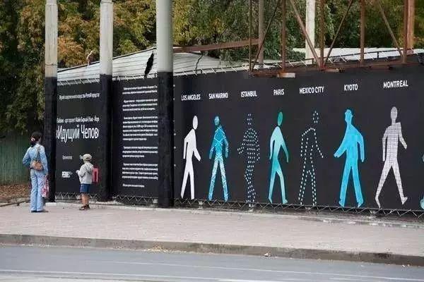 当然,景墙还是艺术活动或者商业展示的载体,让空间趣味无穷.▼图片