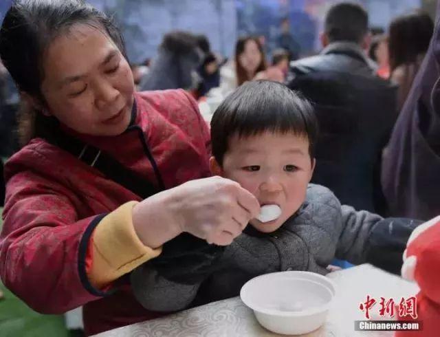 国民老公王思聪要当爸爸了?孩子她妈还是一个刚满20岁的网红?