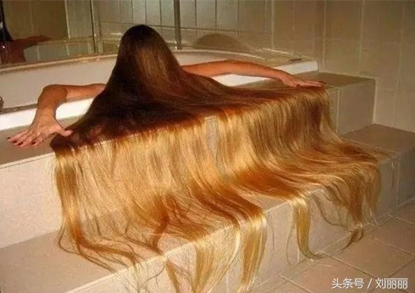 """世界""""最长头发""""有多长,飞流直下3000尺图片"""