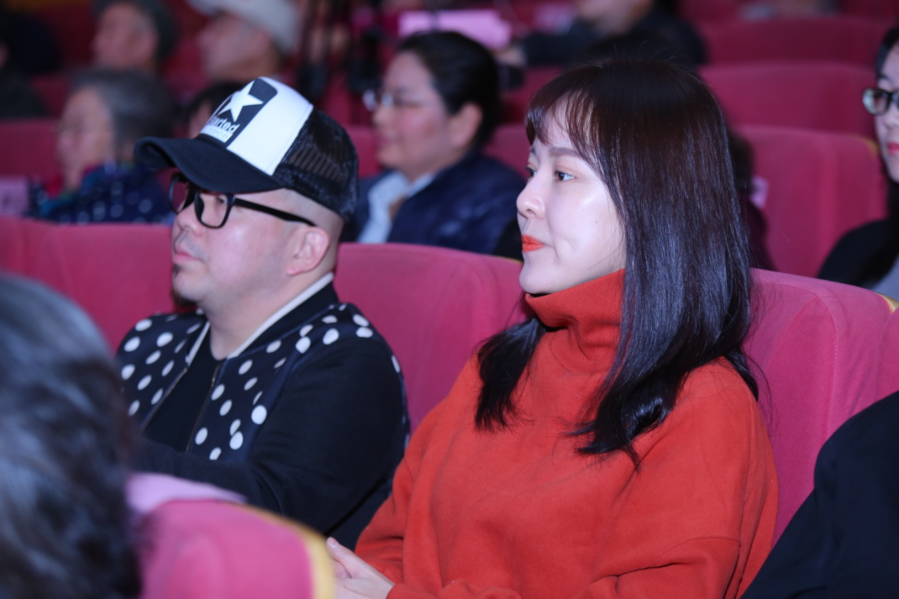 (歌手孙昊霖,林贞儿出席并观看汇报演出)图片