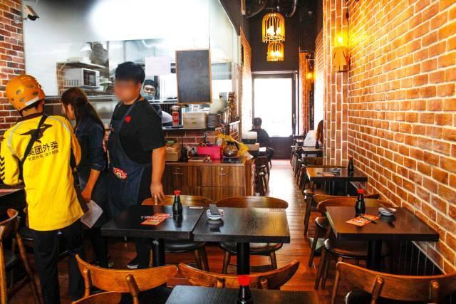 郑州谦祥万和城128平简欧风格三房,营造高贵的气质、浪漫的情调