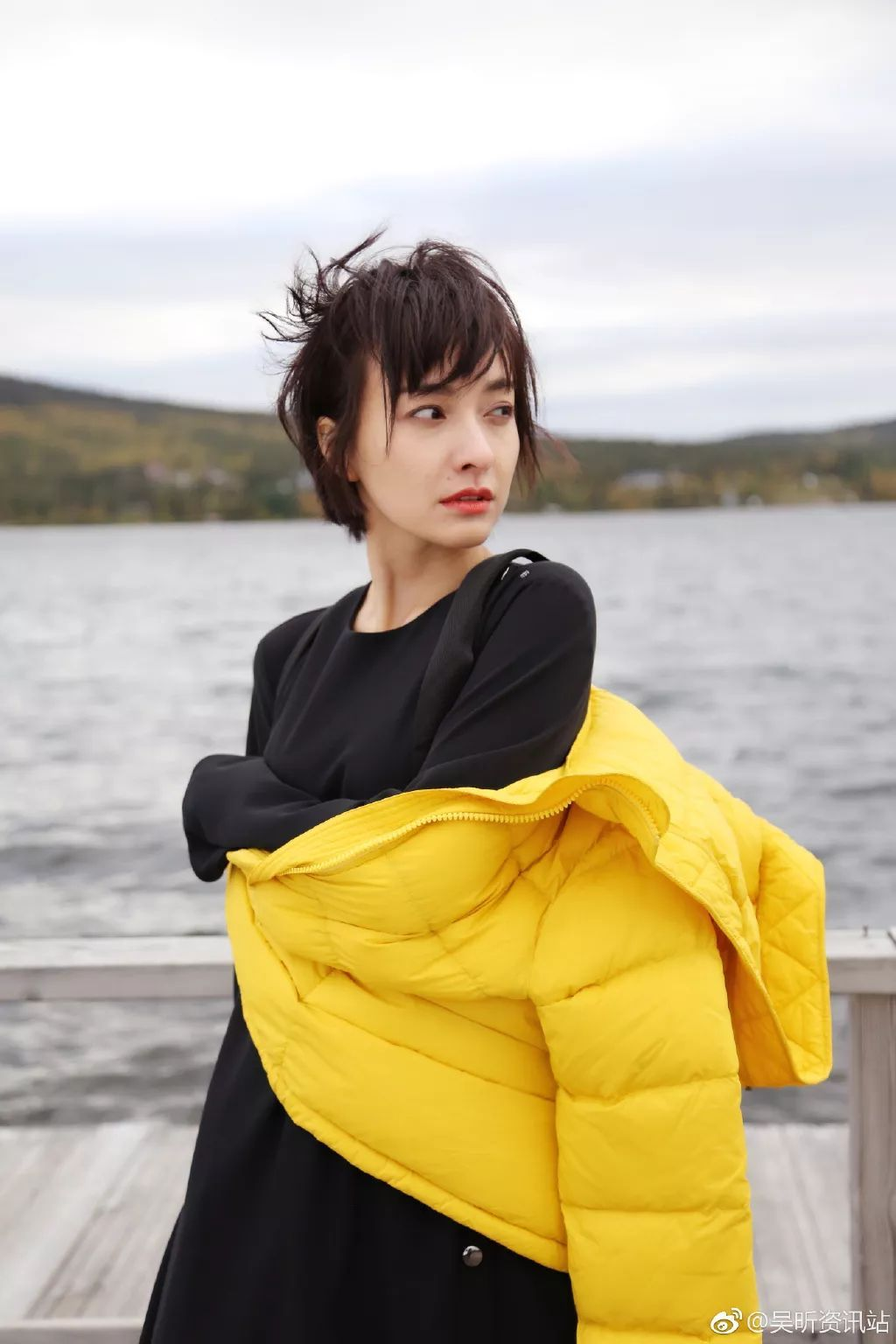 李易峰和吴昕的照片