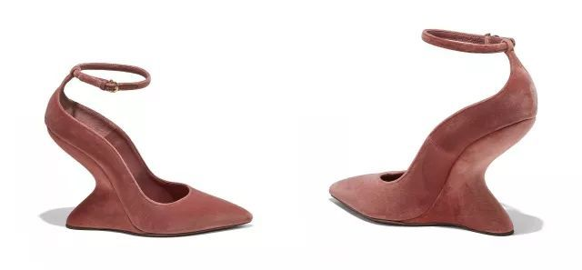 时尚 正文  一双长得像马蹄子的没有跟的高跟鞋.