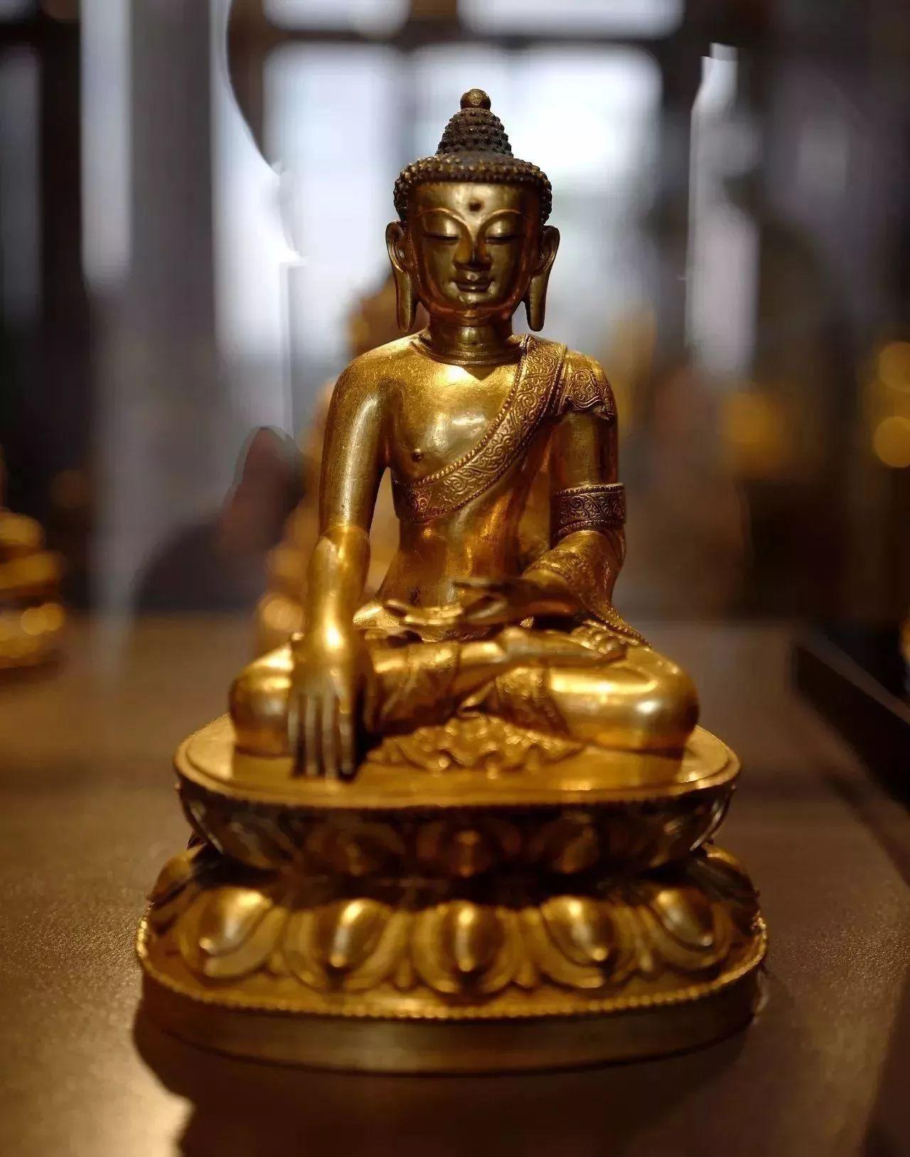 欧洲馆藏金铜佛像之我见――瑞士莱特伯格博物馆