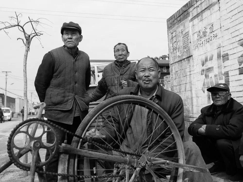 香港第五天王,90年代片酬是李连杰5倍,如今不及李连杰10%,座驾却依旧豪华