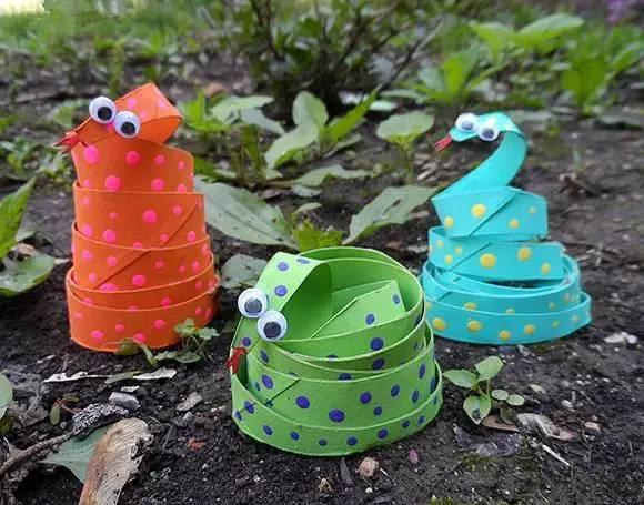 【手工】5款幼儿园创意手工制作彩色小花蛇,效果非常逼真哦!