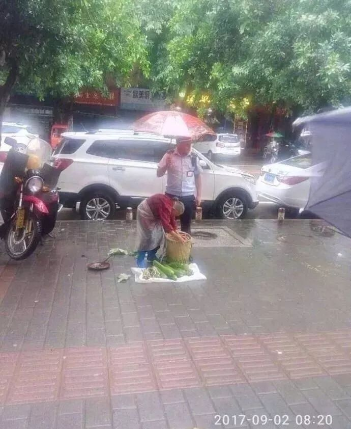 中国留学生迟到,不相信他说辞的老师得知真相后沉默许久……