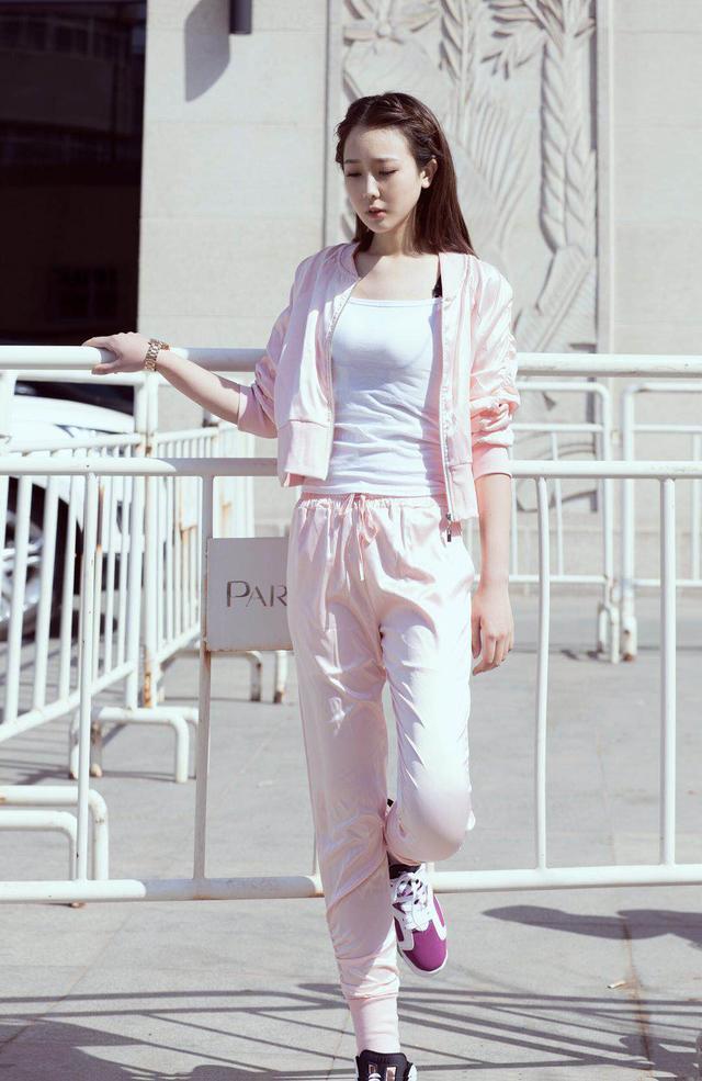 95后青年女演员刘林育获圈内人士高度评价图片