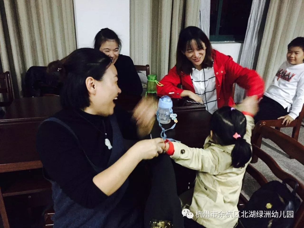 「新时代·中国梦」青春心向党·学习十九大——新华社评论:全面贯彻习近平强军思想