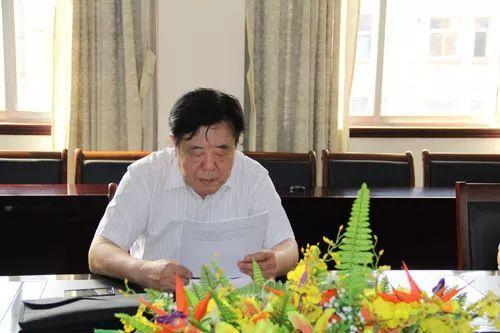 听薛维松先生谈诗并读其诗集 - 雨林 - 雨 林 诗 草