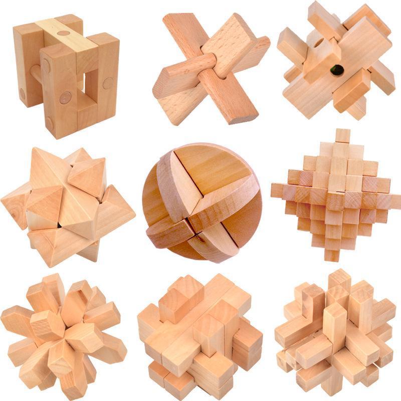 孔明锁鲁班锁,采用天然榉木,坚固耐玩,质地均匀,不易变形,环保漆面
