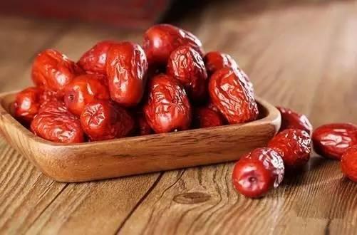 「养生厨房」今日菜品《有助于保护血管健康——水炒肉片》