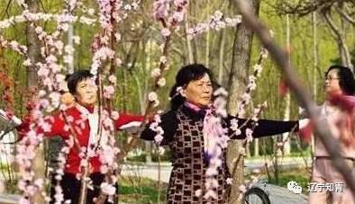 广东第一场雪过后,连山壮瑶人家腊味飘香,炉火一冬不熄
