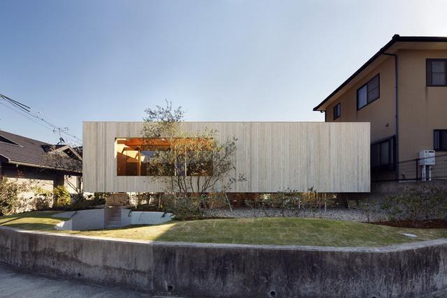 架空平�_232平开放式别墅设计,底层架空,外侧仅凭几根钢柱支撑
