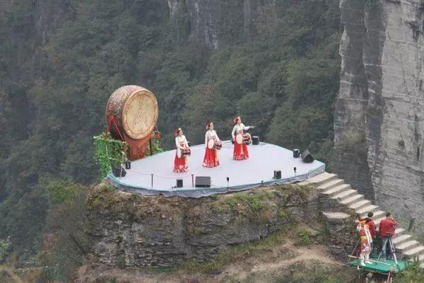 这两天,徐州人都在传云龙湖边的这对母子,很多人都看哭了