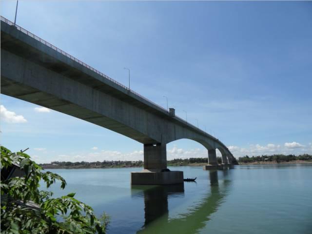 20072009年吴杰在prektamak湄公河大桥项目任施工员