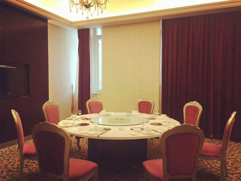 活动地点:天豪君澜大酒店二楼 天豪不止茶餐厅  天豪火锅包厢 干净