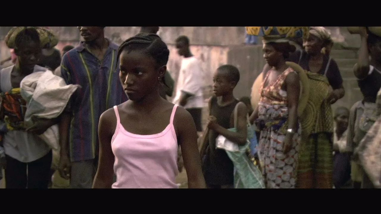 推荐影片《疯狗强尼》-非洲娃娃兵的残酷人生-八卦百分百-西陆网