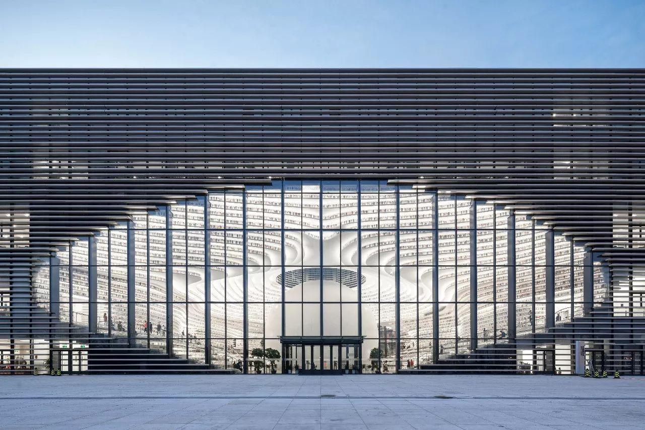 天津滨海图书馆:城市的眼睛是一座图书馆图片