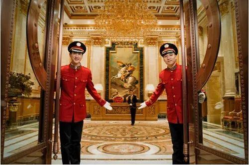 娱乐圈情侣相继分手,罗晋唐嫣却准备在年底登记结婚