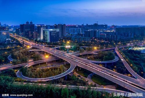 成都经济总量占四川省_四川省成都十七中图片