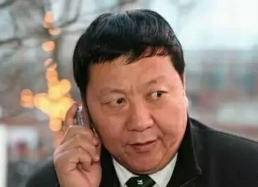 长江商学院拥吻照被证明是恶搞?但EMBA课程又做了一则免费招生广告