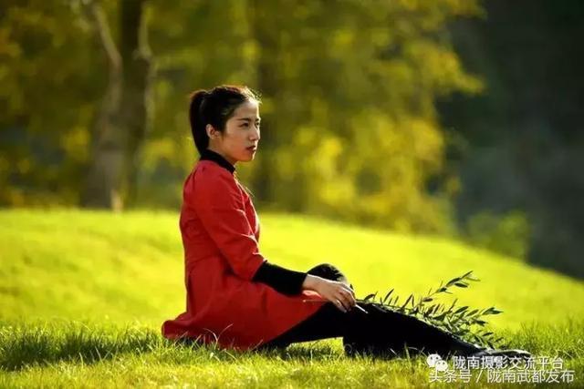 文化 正文  摄影/文:谈龙 出演:石甜甜 龙二美 来源:陇南摄影交流平台