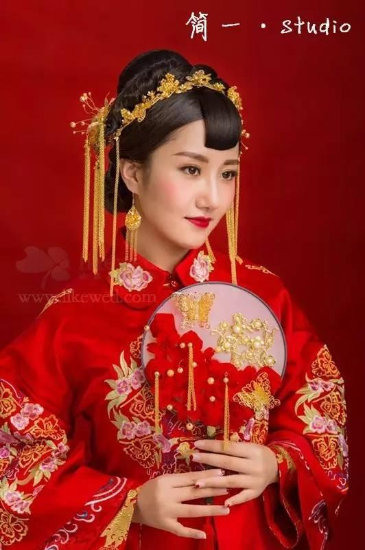 2017婚礼必备绝美的中式新娘造型