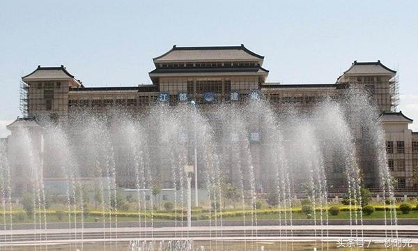 银川兰州GDP_城市PK 乌鲁木齐和兰州,谁才是西北第二城