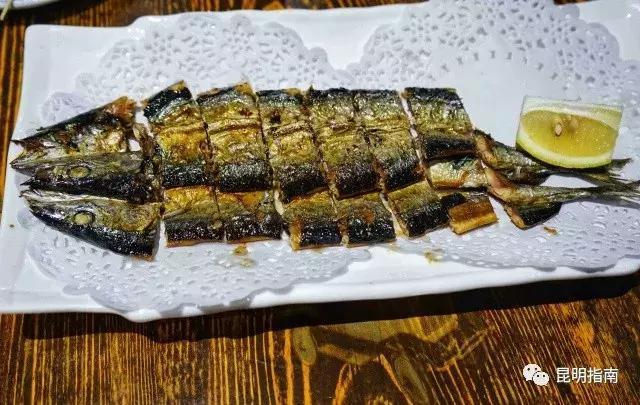 吓土伯在昆明打捞到了鲜美的鲍鱼,那个大闸蟹美食澳洲海鲜图片