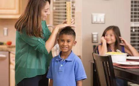 孩子怎么才能长高_男孩子怎么才能长高?试试这八招_搜狐母婴_搜狐网