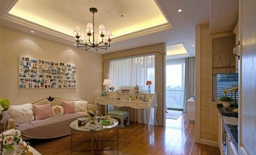 60平米一室一厅装修图二 这款采用欧式风格设计,客厅虽然不大,但是