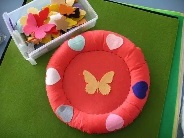 幼儿园亲子手工,飞碟的玩法及制作方法图解