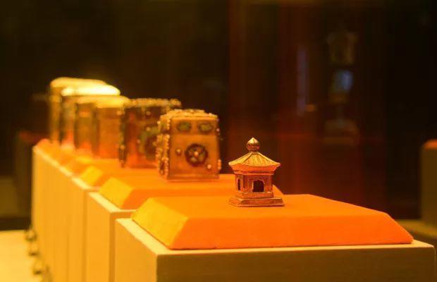 寺庙挖出2000多件国宝,每件都会让你目瞪口呆